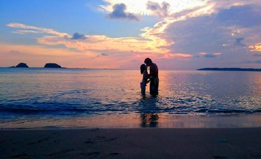 出会い系で彼氏と海水浴デート